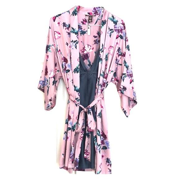 Victoria's Secret Other - V, S flounce-sleeve kimono and satin-slip new
